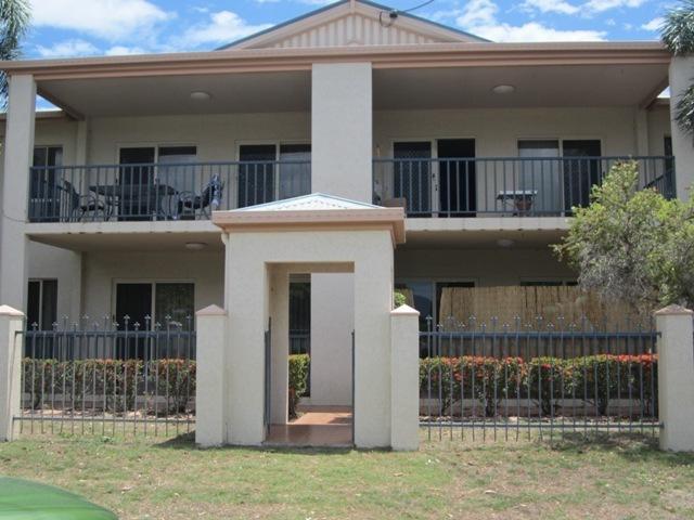 1/2 MacRossan Street, QLD 4810