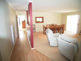 Hallway/lounge/dinin