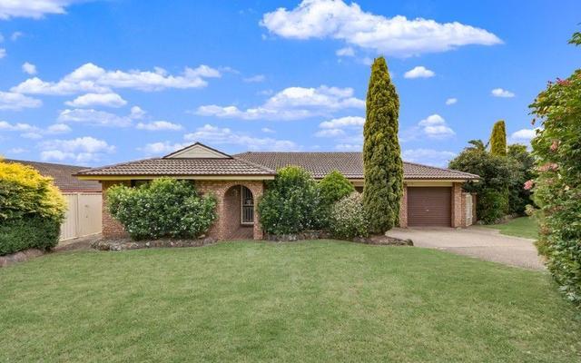 42 Debenham Avenue, NSW 2560