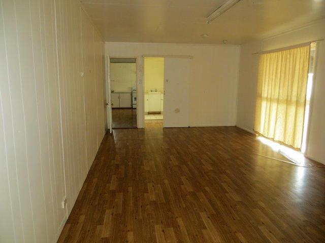 14 Scarr Street, QLD 4824