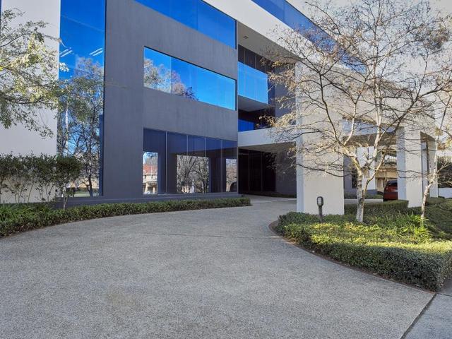 Suite  201/10-12 Brisbane Avenue, ACT 2600