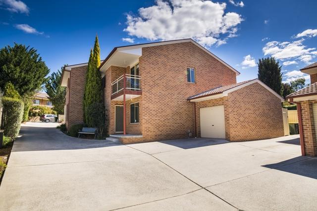 2/24 Binaburra Place, NSW 2620