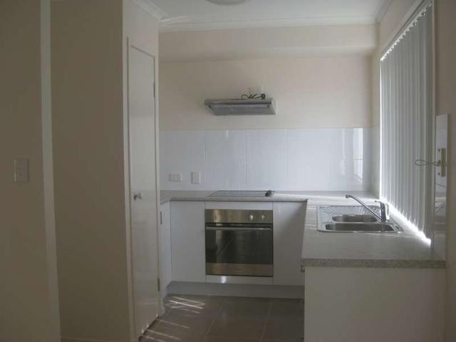 2/22 Rainbird Crescent, QLD 4503