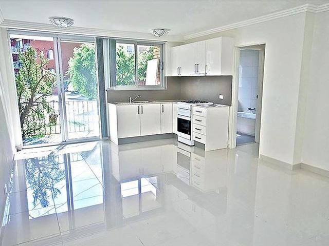 2/30 Brittain Crescent, NSW 2036