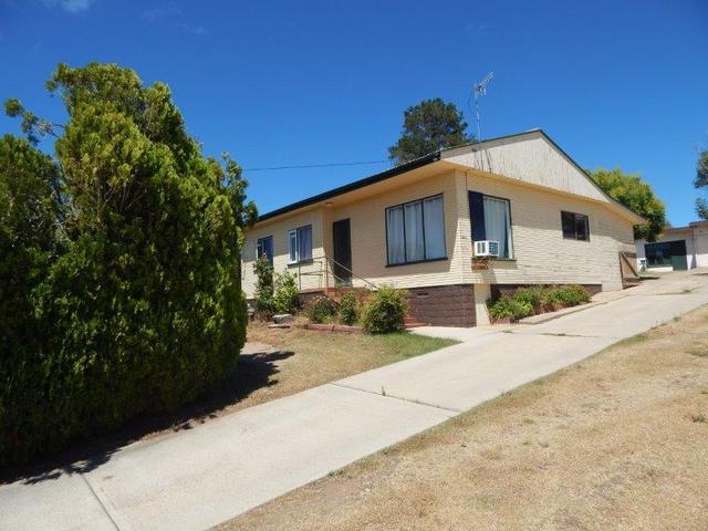 9 Norman Dykes Avenue, NSW 2630