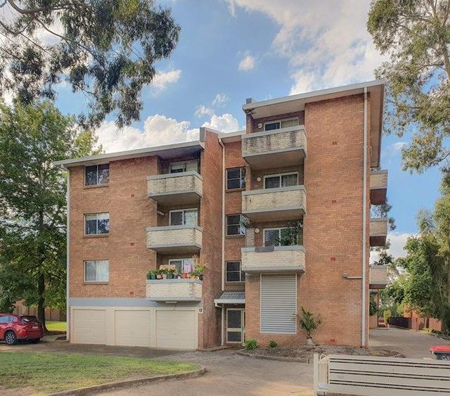 4/17 Santley Crescent, NSW 2747