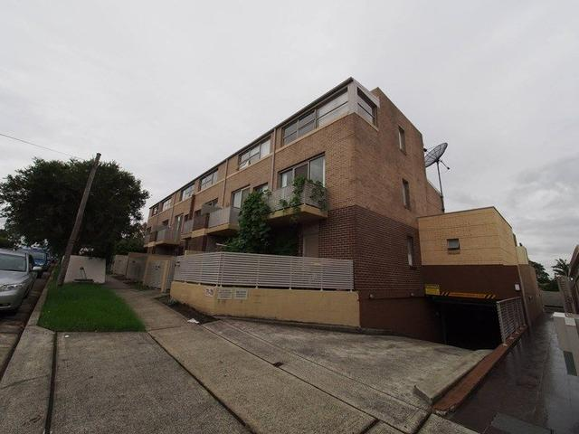 10 71 Dudley  St, NSW 2141