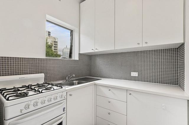 Unit 9/2A Ben Eden Street, NSW 2022