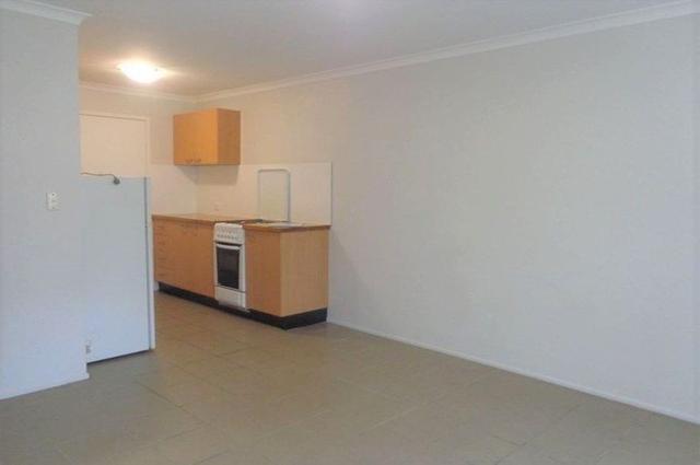 2/6 Gray Street, QLD 4215