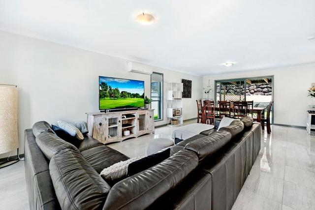 40 Clear River Boulevard, QLD 4214