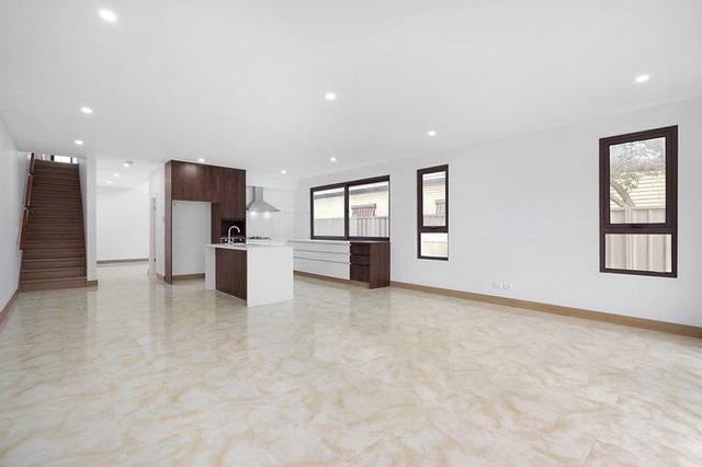 11 Apple Street, NSW 2145