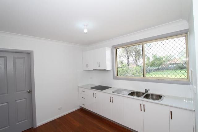 16a Tobruk Avenue, NSW 2170