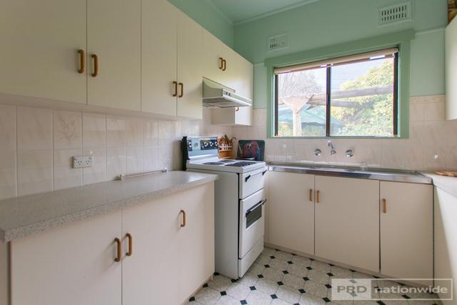 40 Groves Street, NSW 2720