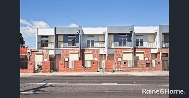 4/11 Ballarat Road, VIC 3012