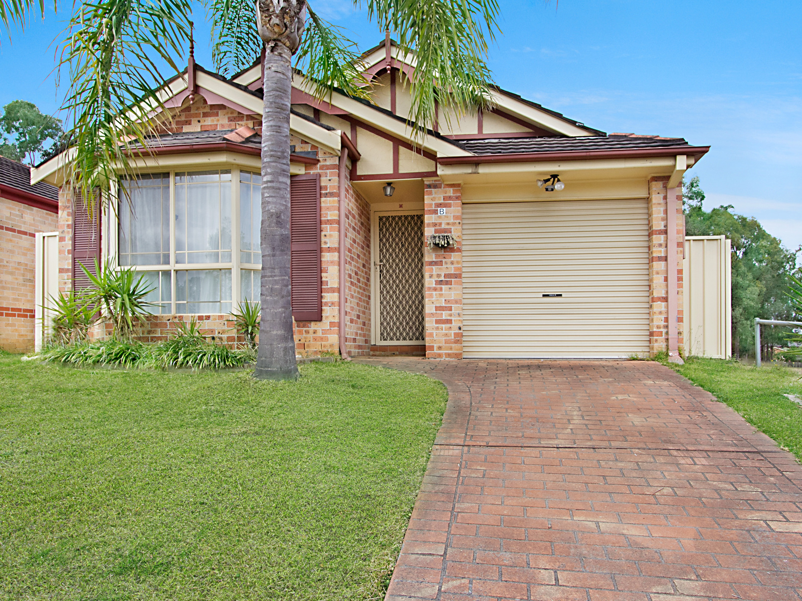 quakers hill real estate for sale