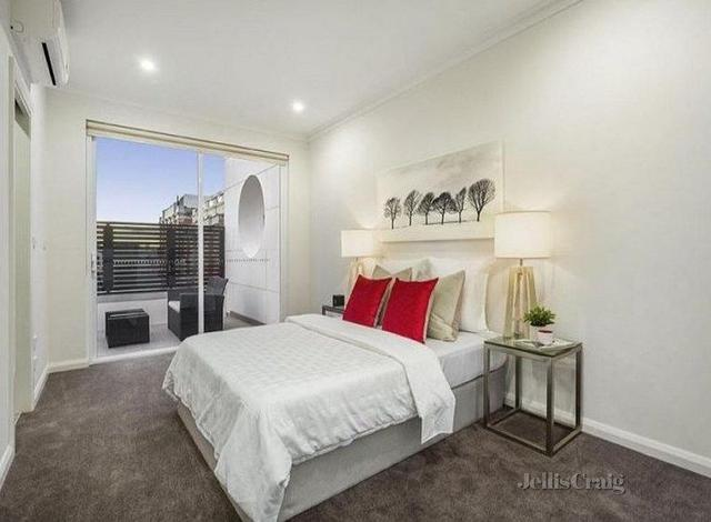 1/77 Little Oxford Street, VIC 3066