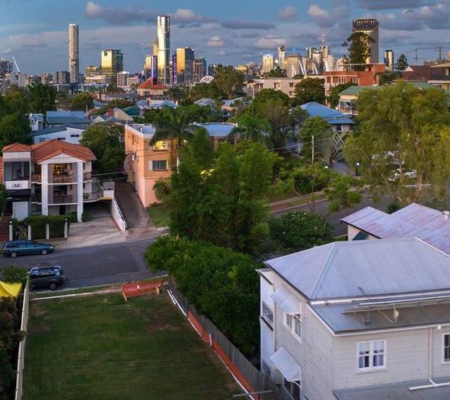 16 Jones Street, QLD 4101