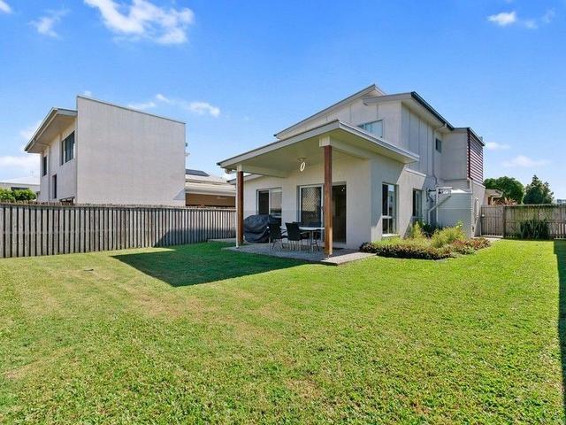 8 St Helena Street, QLD 4558