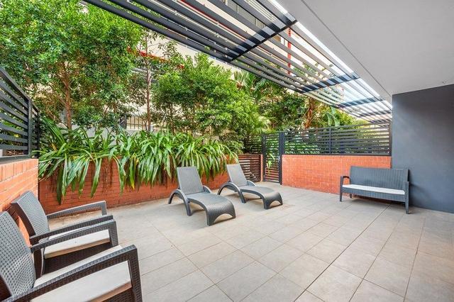 Courtyard/9 Edmondstone Street, QLD 4101