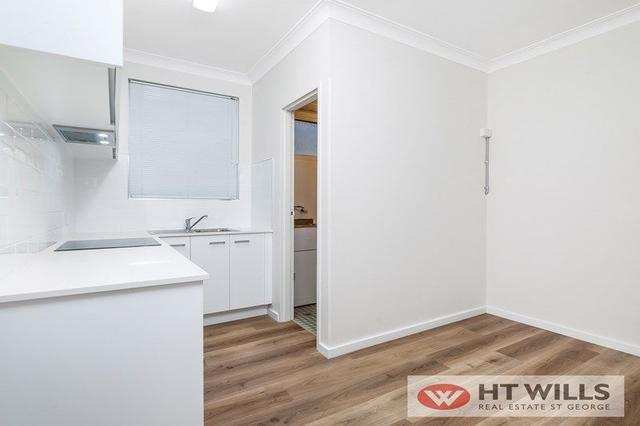 2/14-16 Gloucester Road, NSW 2220