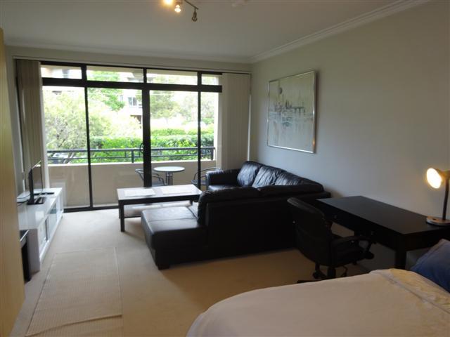 20/240 Ben Boyd Rd, NSW 2090