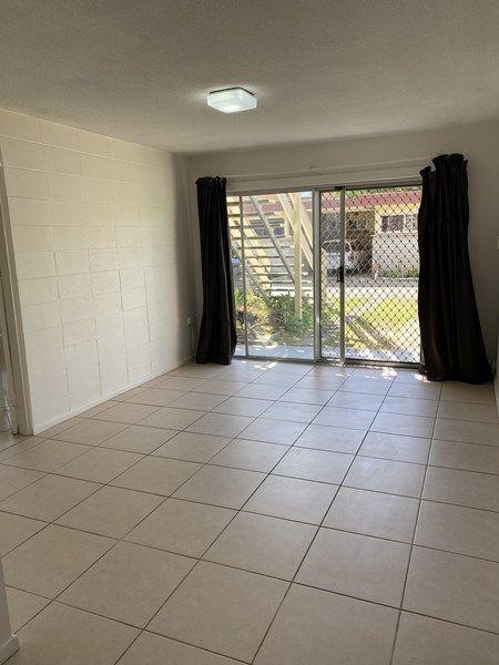 1/16 Leonard Avenue, QLD 4217
