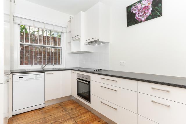 2/10 Warners Avenue, NSW 2026