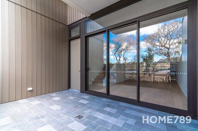 64 Ashmore, NSW 2043