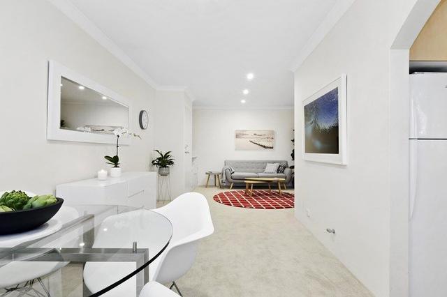 2/82 Oliver Street, NSW 2096