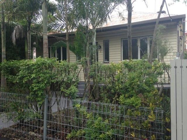 2/92 Langshaw Street, QLD 4005