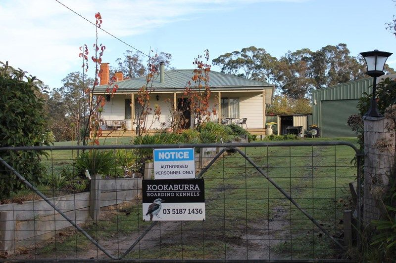 29 high street woodside real estate for sale allhomes for Beach house builders gippsland