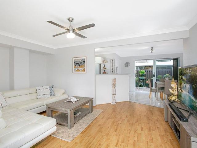 2/9 Cupania Place, QLD 4221