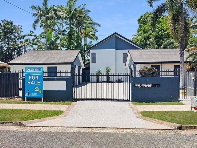 3/7 Macilwraith Street, QLD 4870