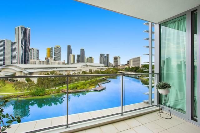 1705/33 T E Peters Drive 'Freshwater Point', QLD 4218