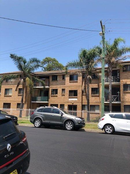 15/2 Pevensey Street, NSW 2166