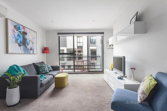 2/1 Barries Place, VIC 3068