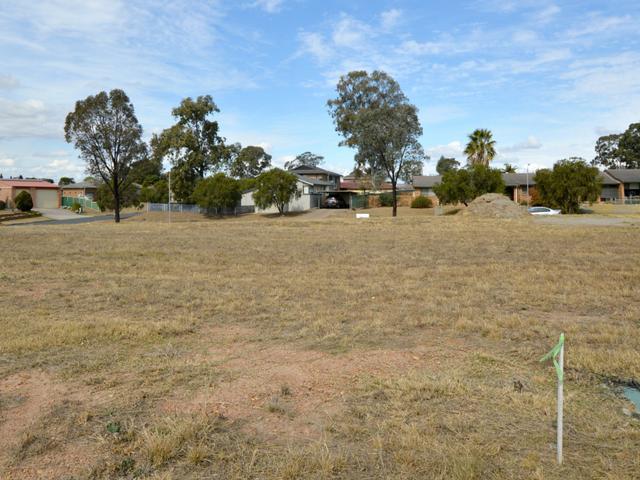 1 B Grainger Crescent, NSW 2330