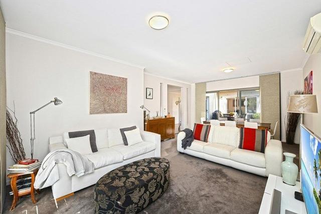 4 Comaneci Avenue, NSW 2127