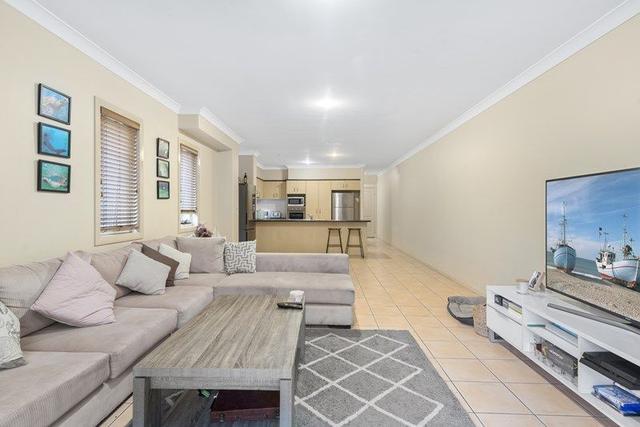 2/62 Palm Beach Avenue, QLD 4221