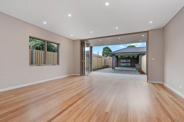 2/60 First Avenue, NSW 2046