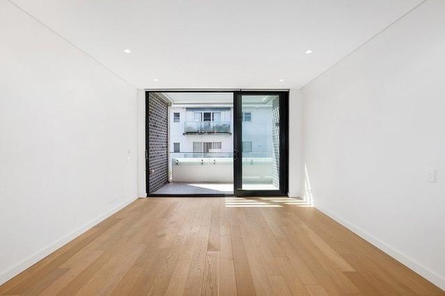 727/2 Livingstone Avenue, NSW 2073