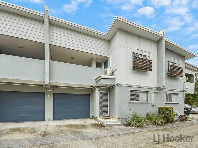 2/25 Grasspan Street, QLD 4034