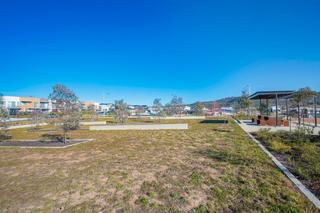 Neighbouring Park/Views