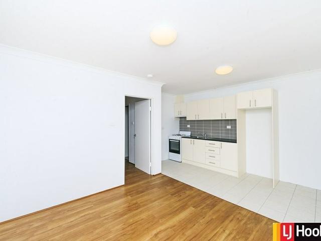 2/22 Mowatt Street, NSW 2620