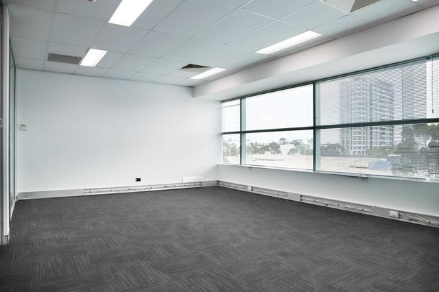 4.05/10 Century Circuit, NSW 2153