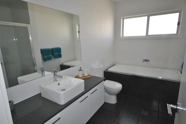 14 Alpina Place, NSW 2541