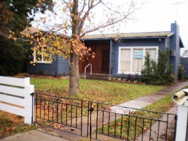 2 Scotsburn Grove, VIC 3030