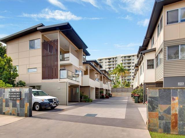 12 Flinders Street, QLD 4680
