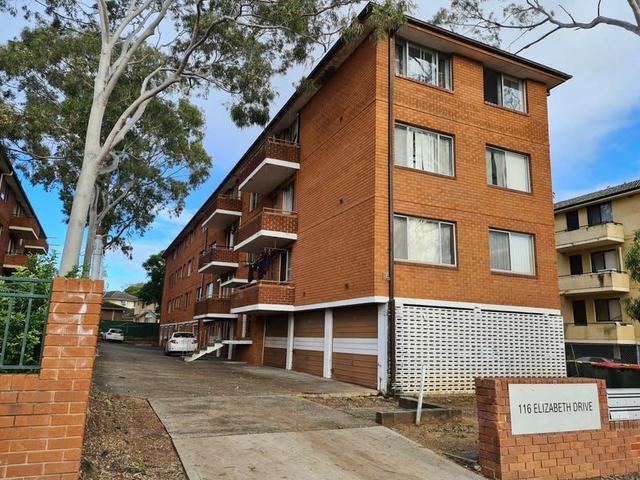 2/116 Elizabeth Drive, NSW 2170