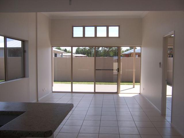 1/10 Guy Street, QLD 4720